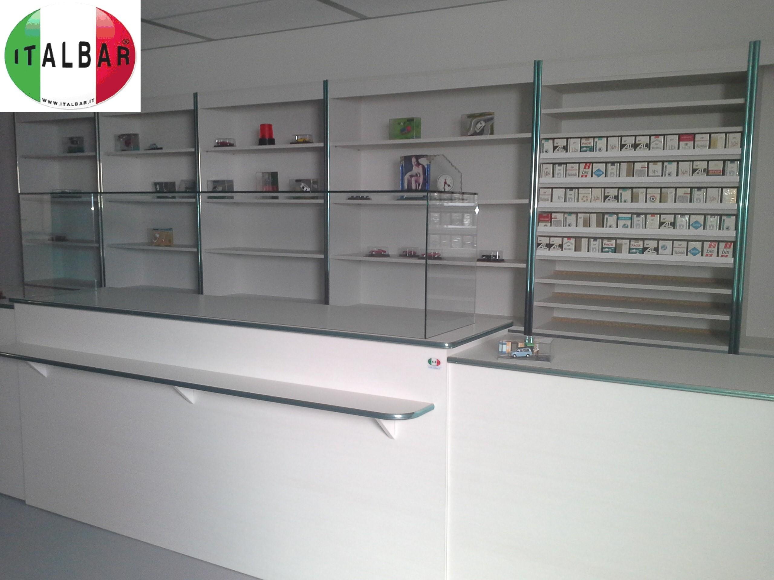Banchi bar produttori di banconi bar banchi frigo for Giornali di arredamento
